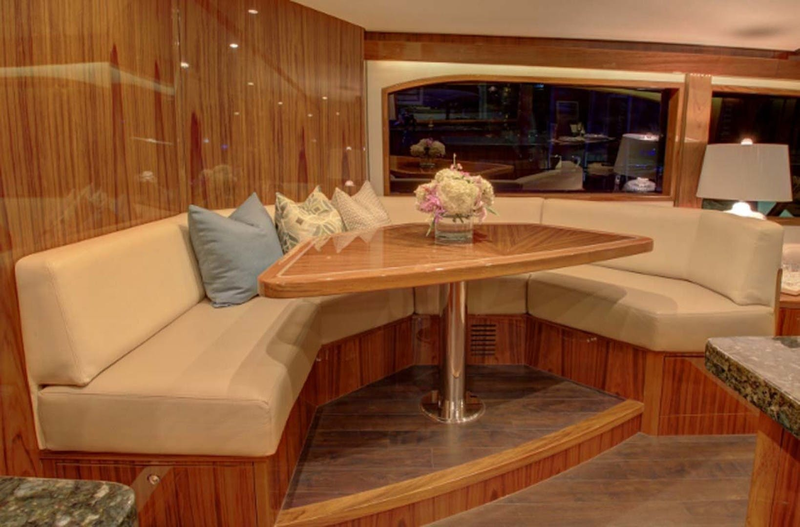 2022 Hatteras 70' GT 70  | Picture 5 of 27