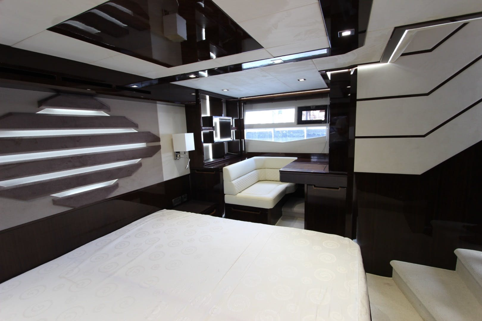 2017 Galeon 56' 560 SKYDECK Dream On | Picture 8 of 30