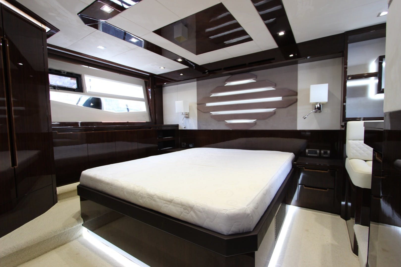 2017 Galeon 56' 560 SKYDECK Dream On | Picture 7 of 30