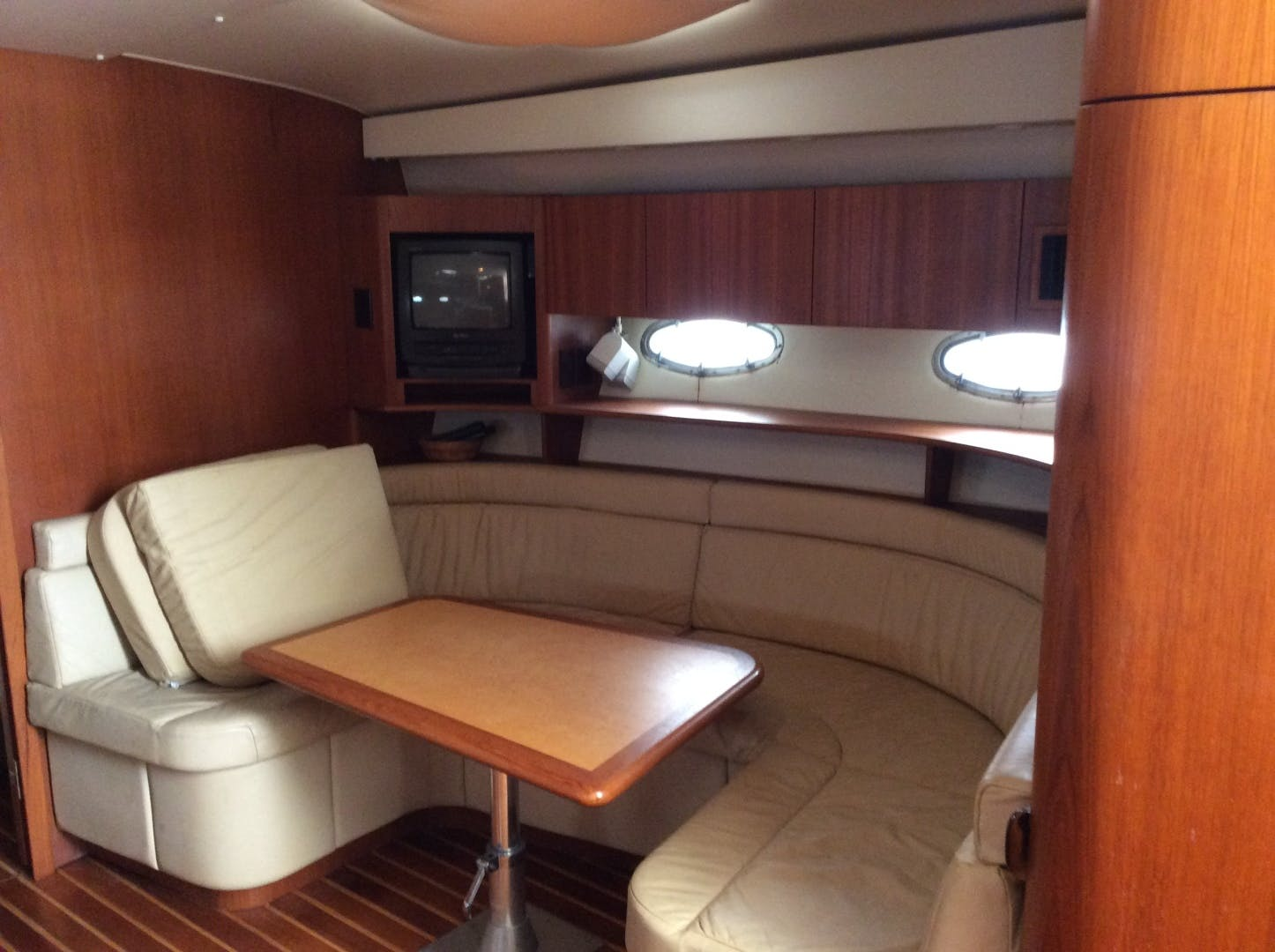 1997 Tiara Yachts 43' 4300 Open  | Picture 6 of 27