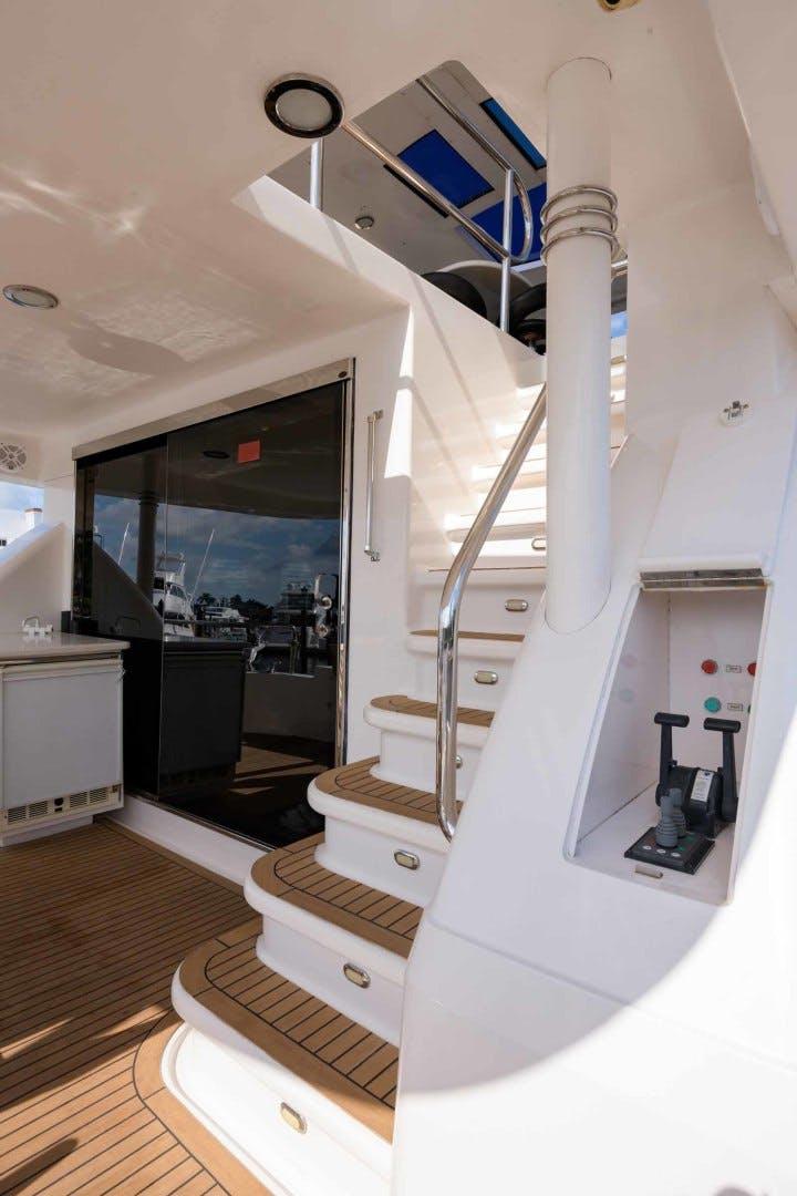 2000 Neptunus 65' Flybridge Motor Yacht PARDI PRINCESS   Picture 5 of 90
