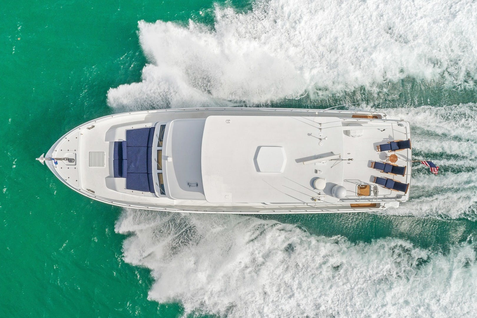 2002 Knight & Carver 70'  SAPPHIRE | Picture 2 of 46