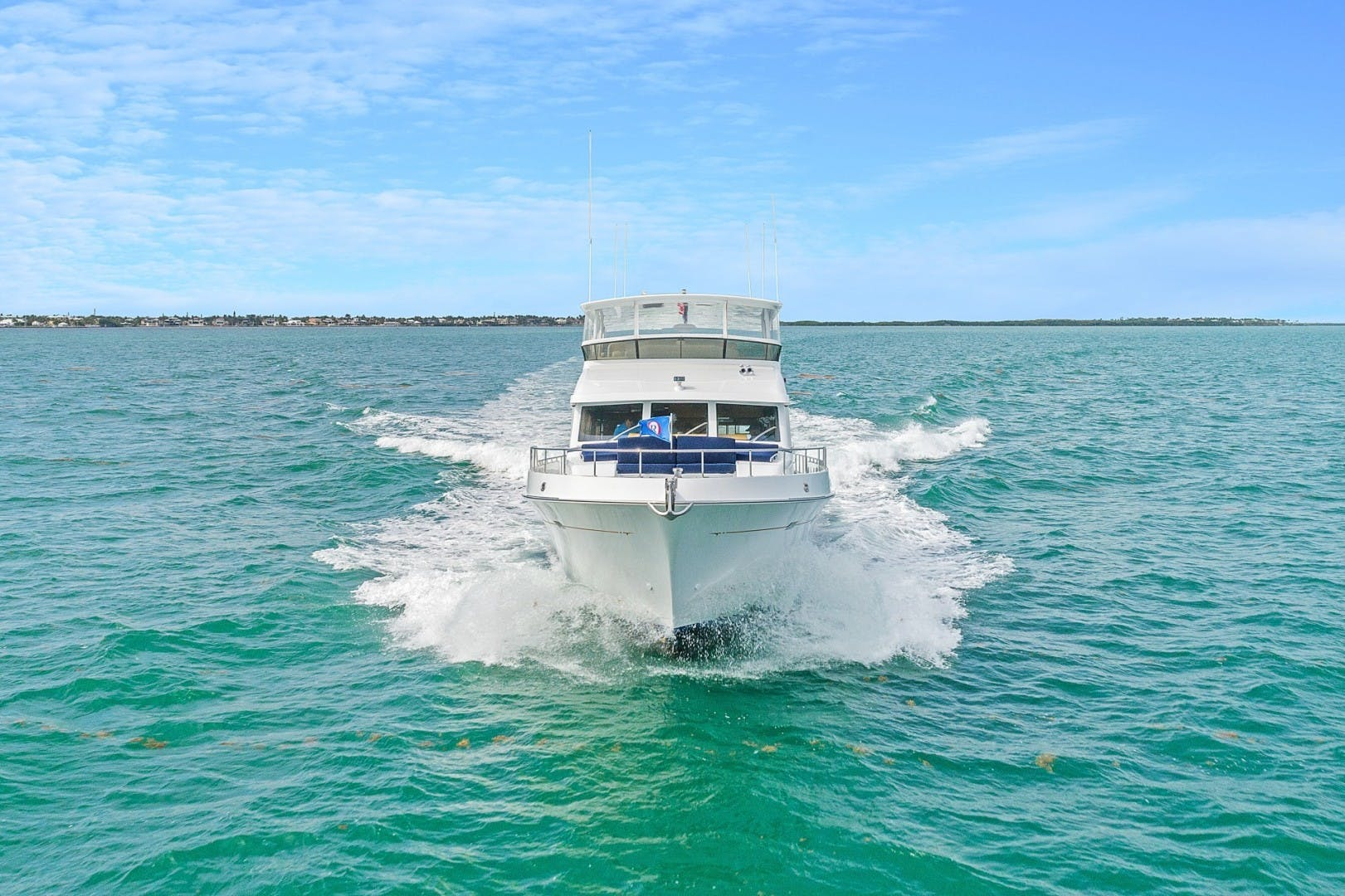 2002 Knight & Carver 70'  SAPPHIRE | Picture 8 of 46