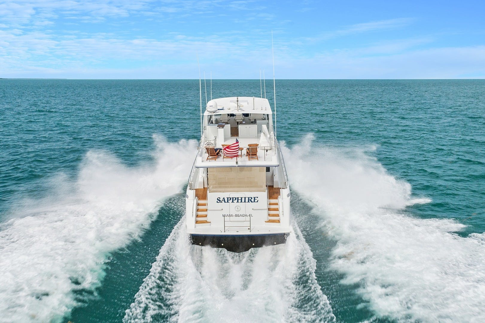 2002 Knight & Carver 70'  SAPPHIRE | Picture 4 of 46