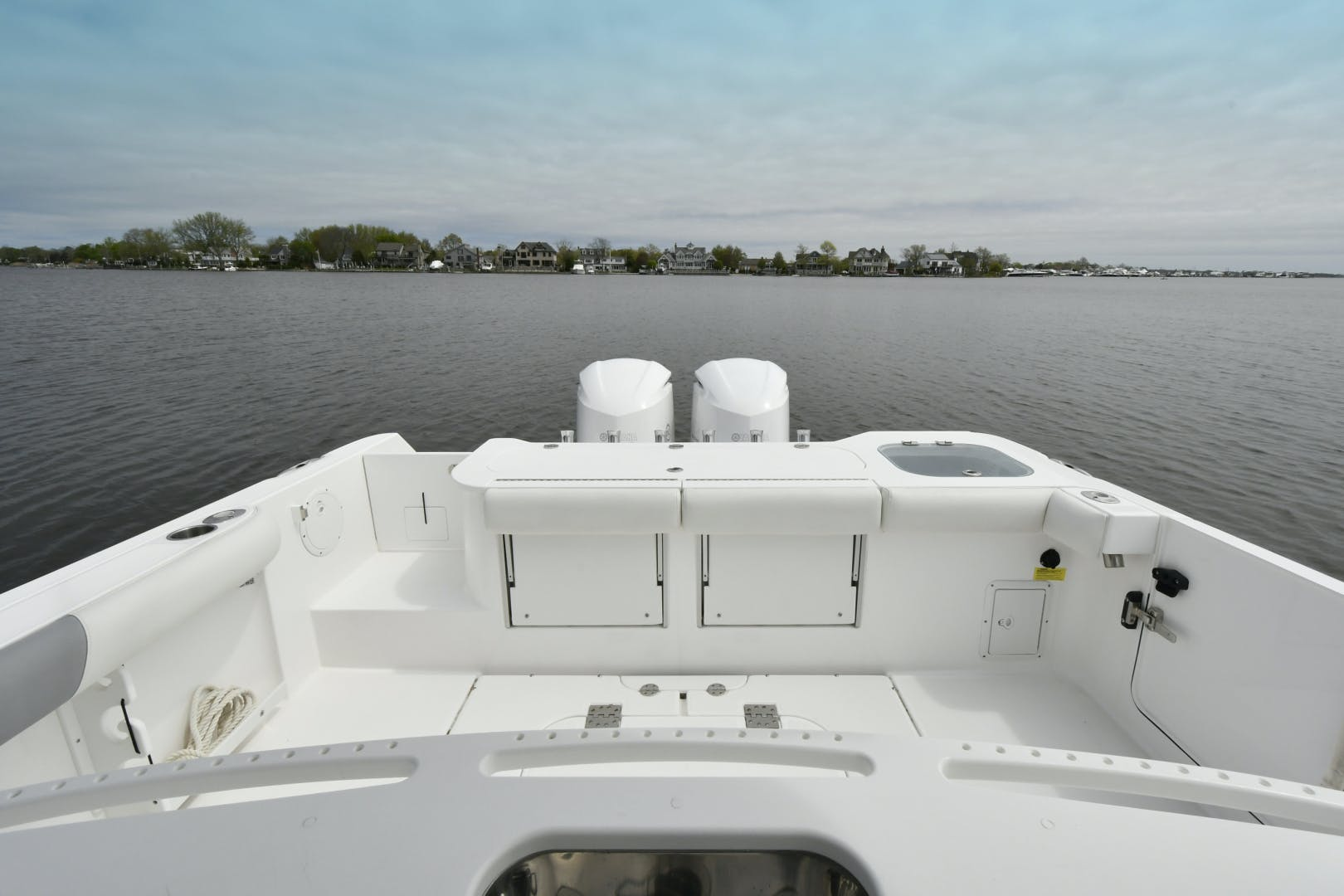 2016 Everglades 32' 32 Center Console Fan Sea Free | Picture 8 of 30