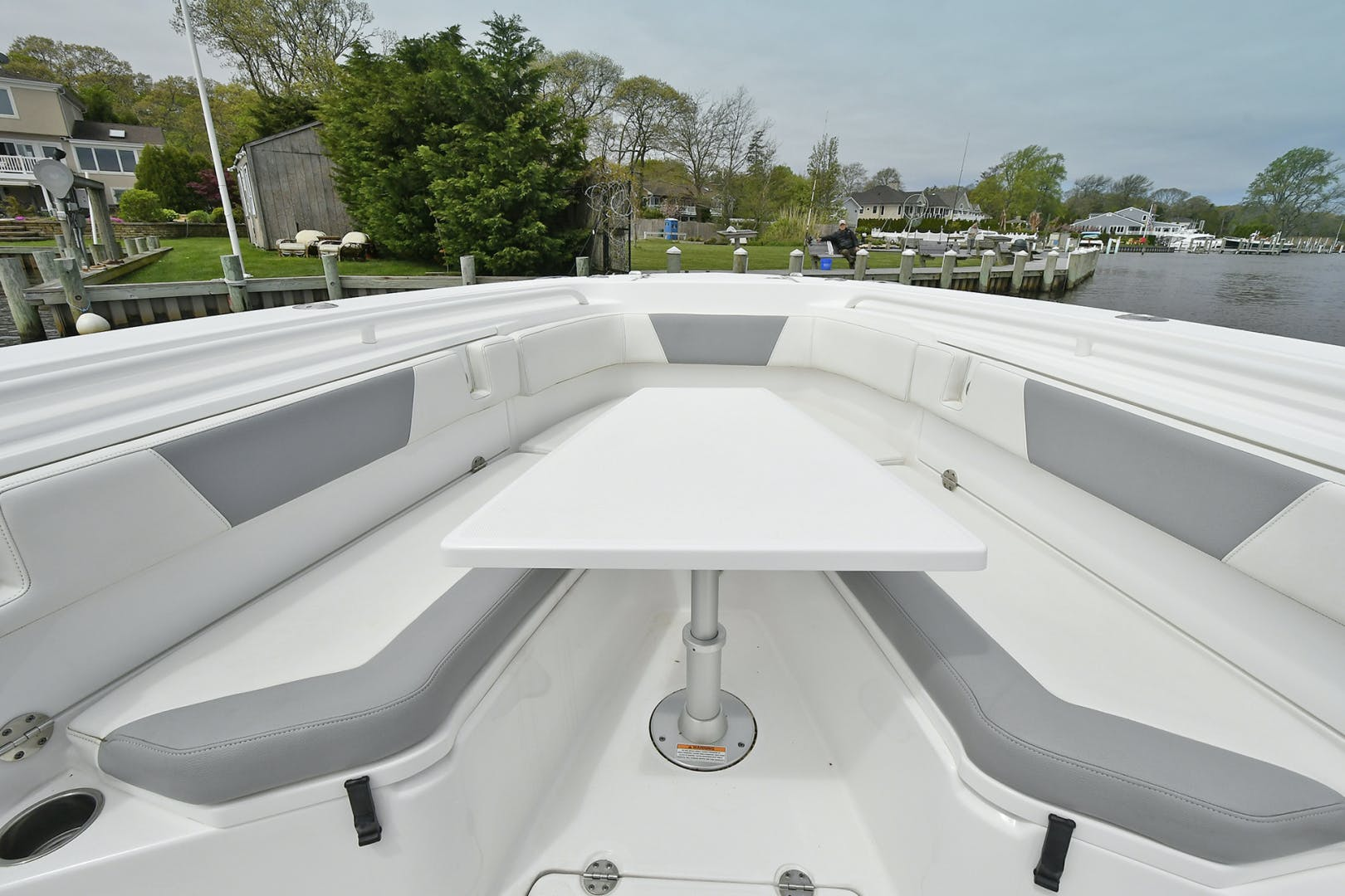 2016 Everglades 32' 32 Center Console Fan Sea Free | Picture 2 of 30