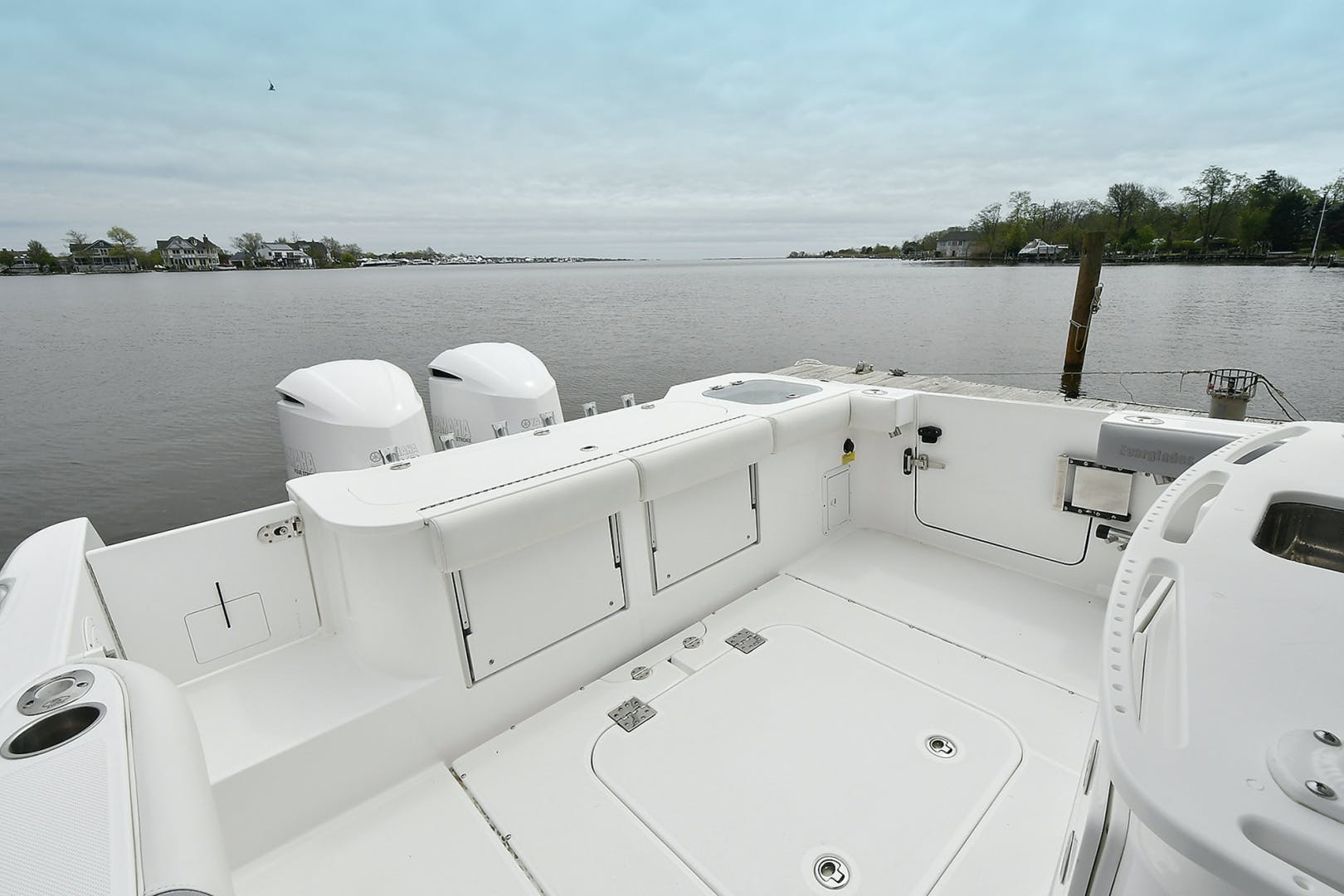 2016 Everglades 32' 32 Center Console Fan Sea Free | Picture 6 of 30