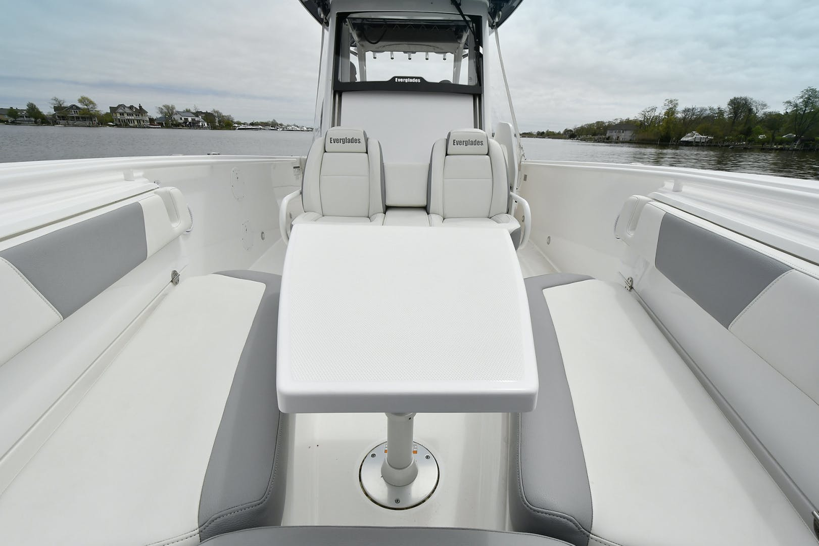 2016 Everglades 32' 32 Center Console Fan Sea Free | Picture 3 of 30