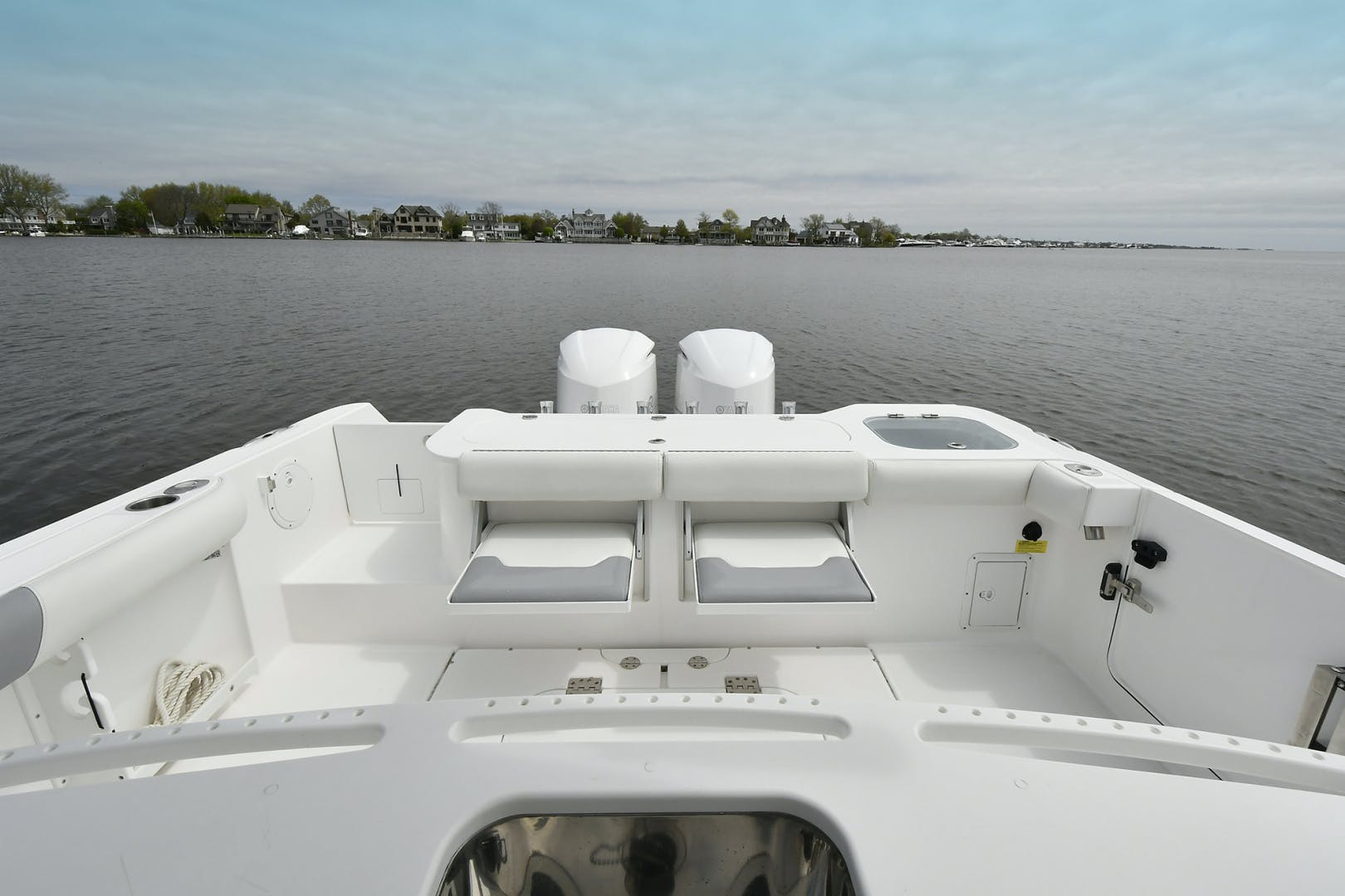 2016 Everglades 32' 32 Center Console Fan Sea Free | Picture 1 of 30