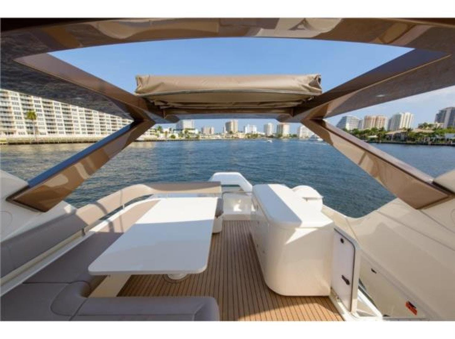 2015 Ferretti Yachts 69' 690 Blue Abalone   Picture 7 of 32