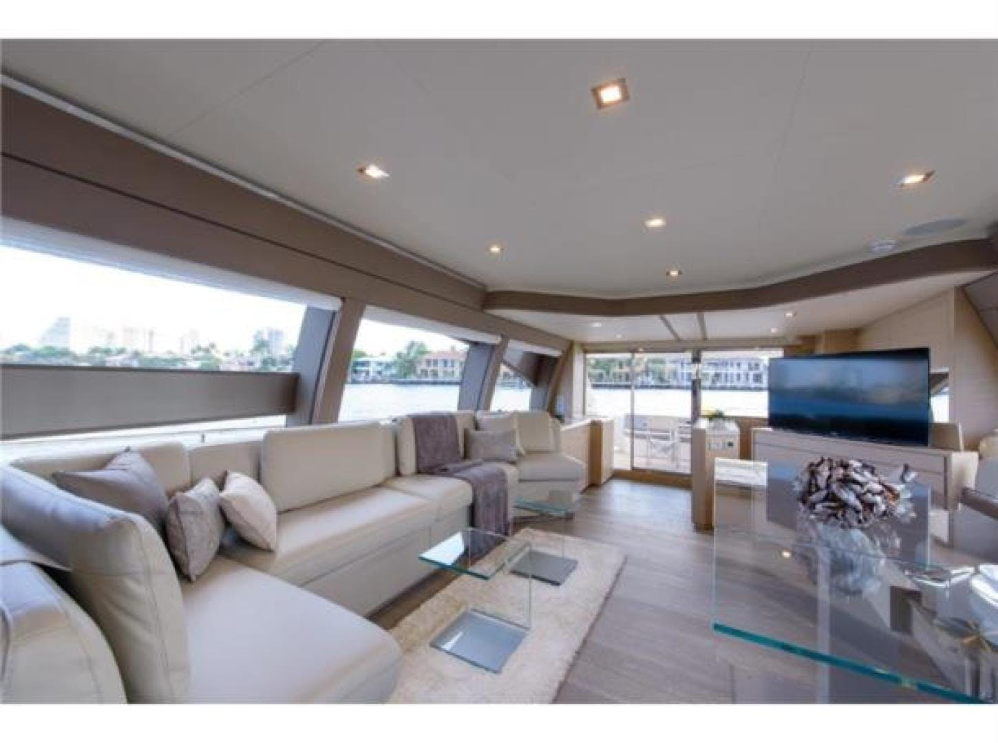2015 Ferretti Yachts 69' 690 Blue Abalone   Picture 8 of 32