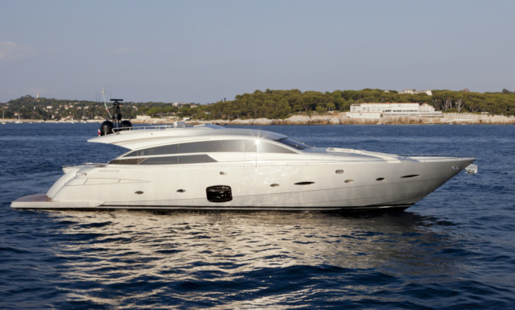 92' Pershing 2012 92 DORIS