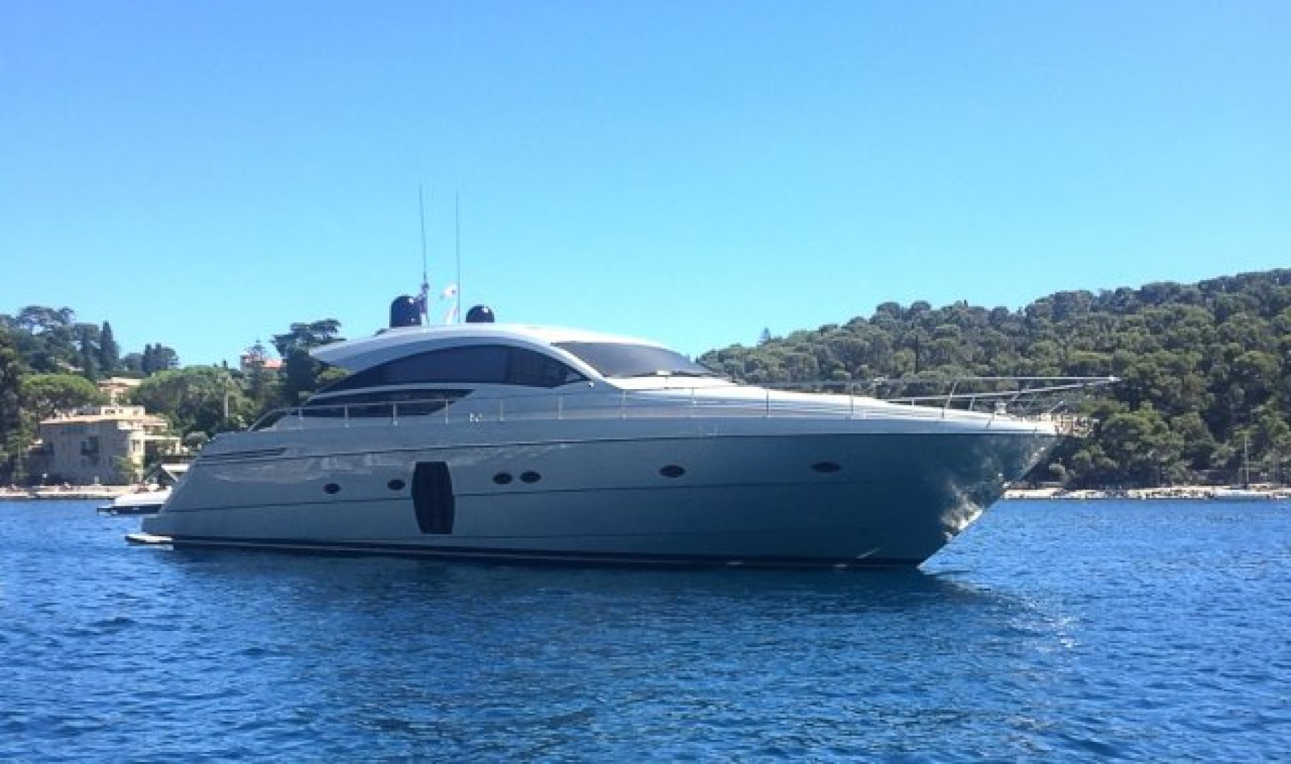 """2010 Pershing 64' 64 """"ISABELLE OF LUXEMBOURG"""""""