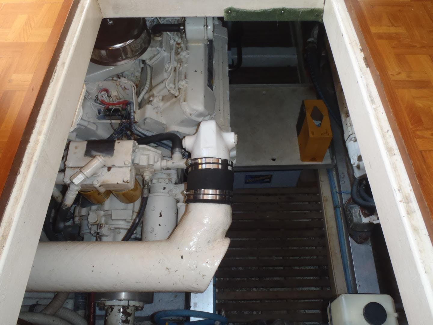 1996 Grand Banks 42' 42' Classic Always Trust Your Cape | Picture 8 of 60