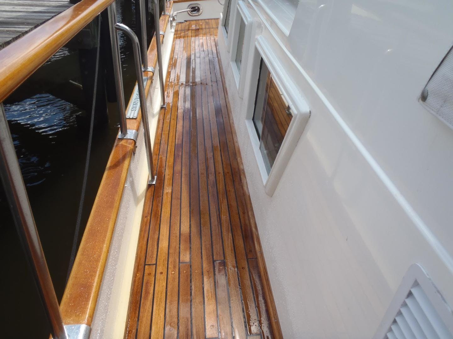 1996 Grand Banks 42' 42' Classic Always Trust Your Cape | Picture 2 of 60