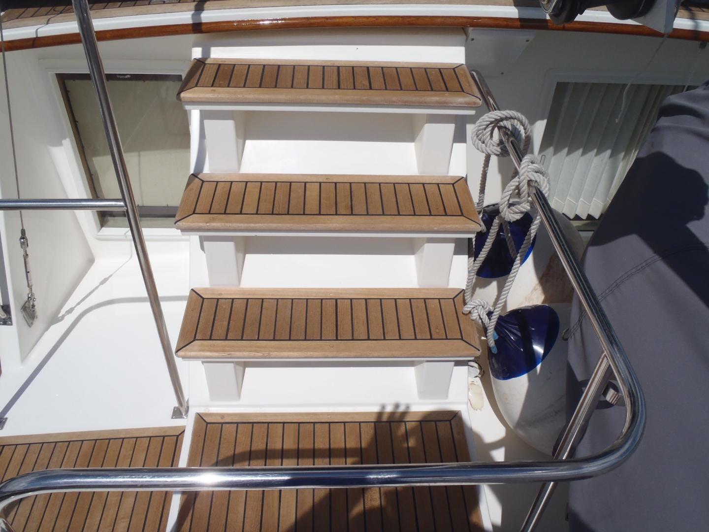 1996 Grand Banks 42' 42' Classic Always Trust Your Cape | Picture 1 of 60