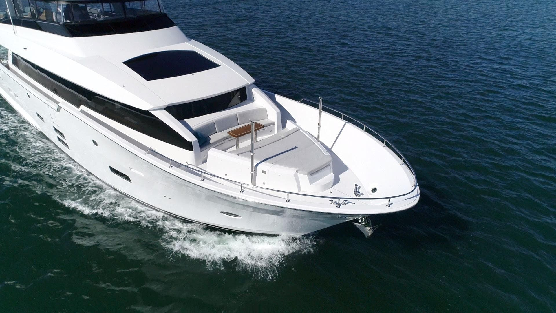 2018 Hatteras 90' M90 SnowGhost | Picture 5 of 110