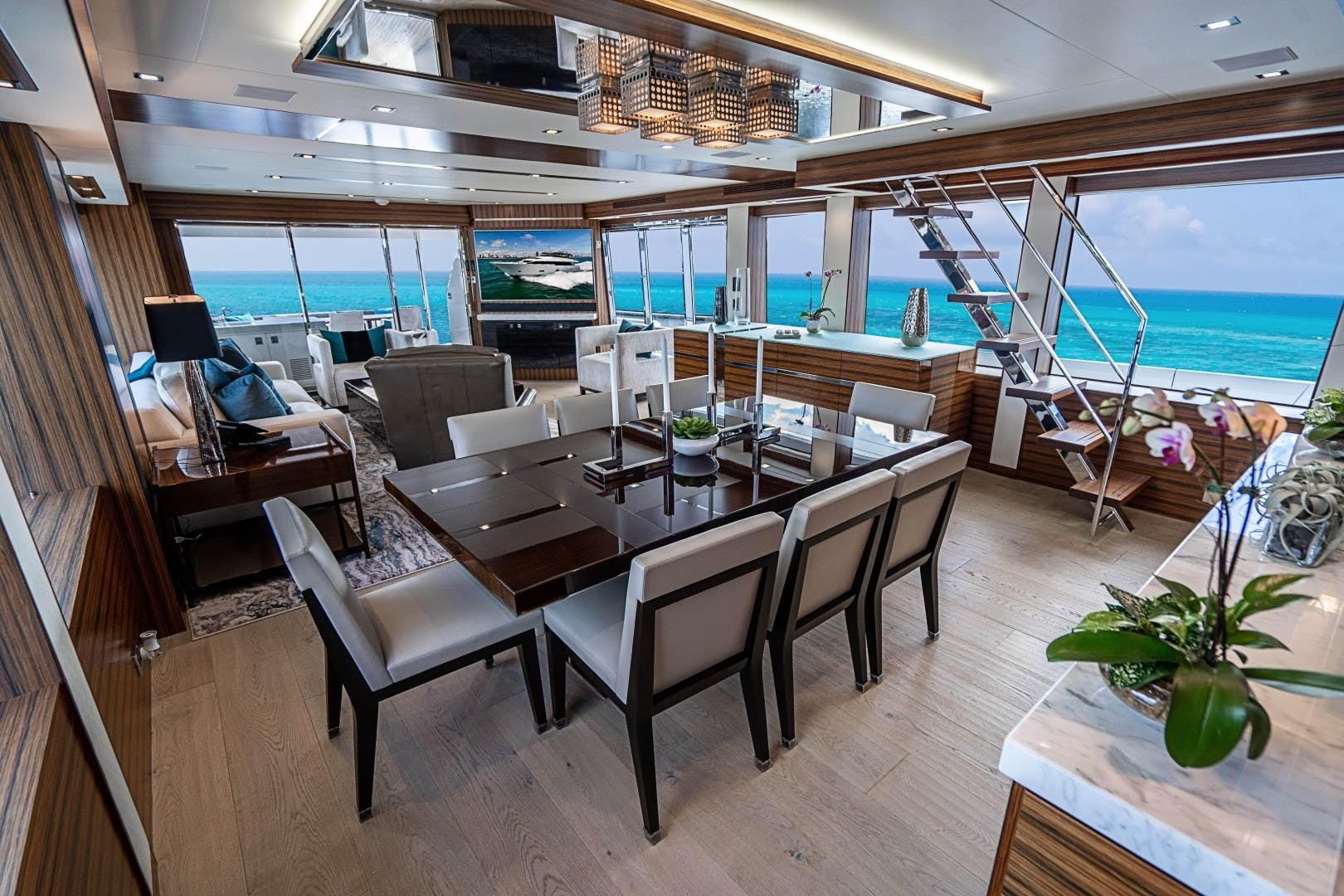2018 Hatteras 90' M90 SnowGhost | Picture 2 of 110