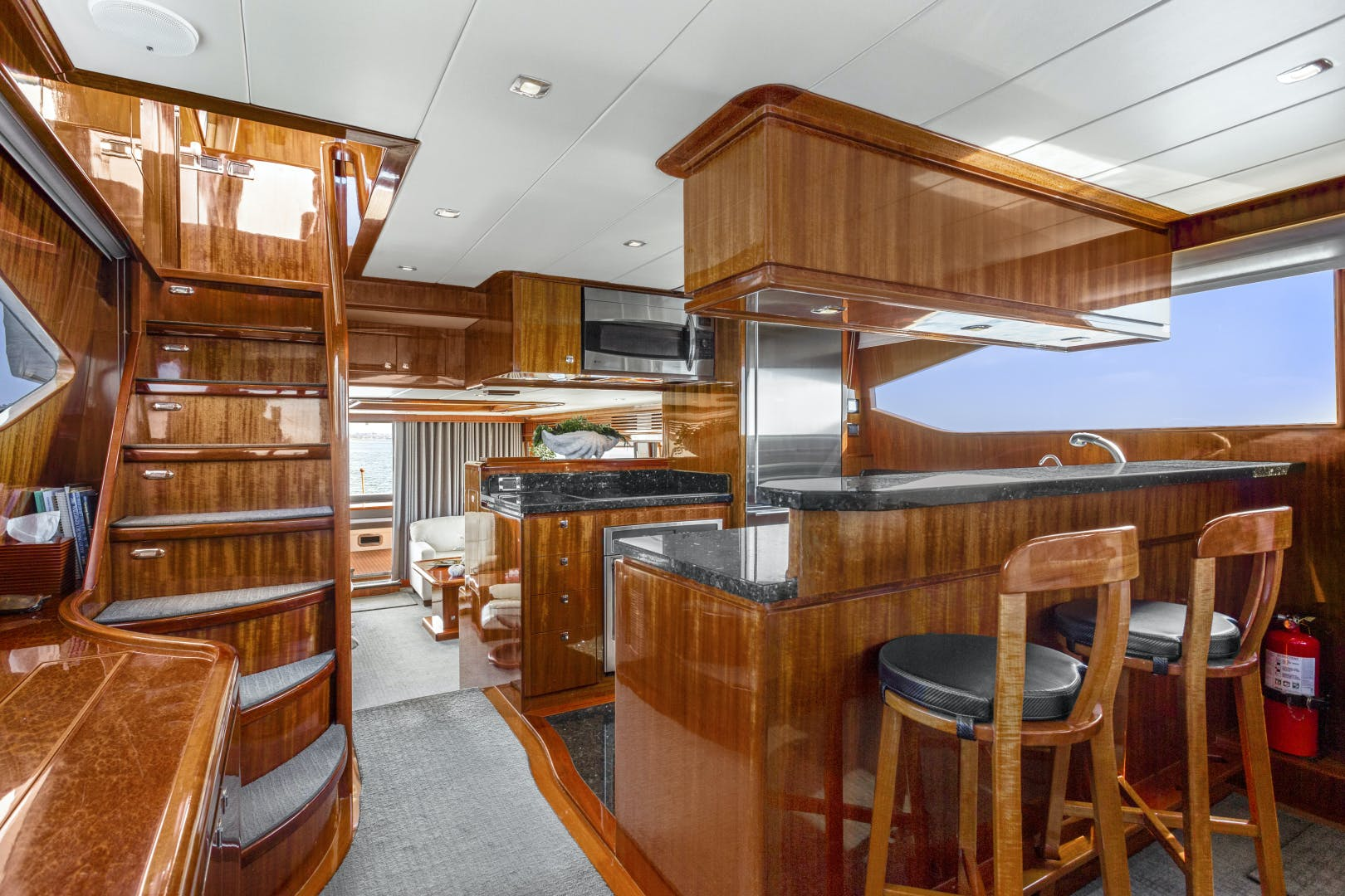 2014 Hampton 76' 76' Skylounge Motoryacht ODYSEA | Picture 7 of 55