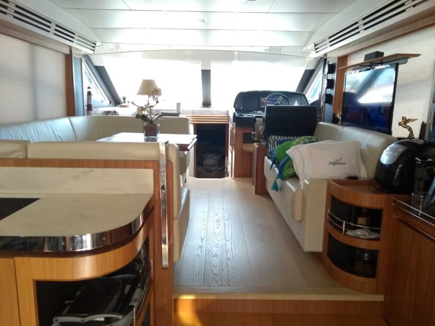 2015 Absolute 52' 52 Fly Pegasus V | Picture 5 of 65