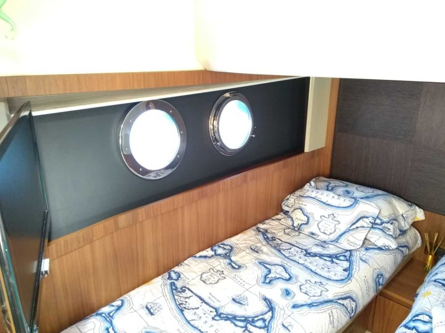 2015 Absolute 52' 52 Fly Pegasus V | Picture 4 of 65