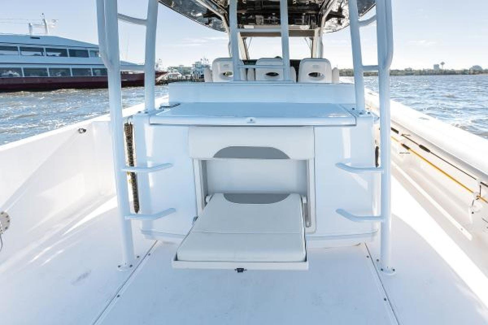 2016 Everglades 43' 435 BLACK GOLD | Picture 1 of 25