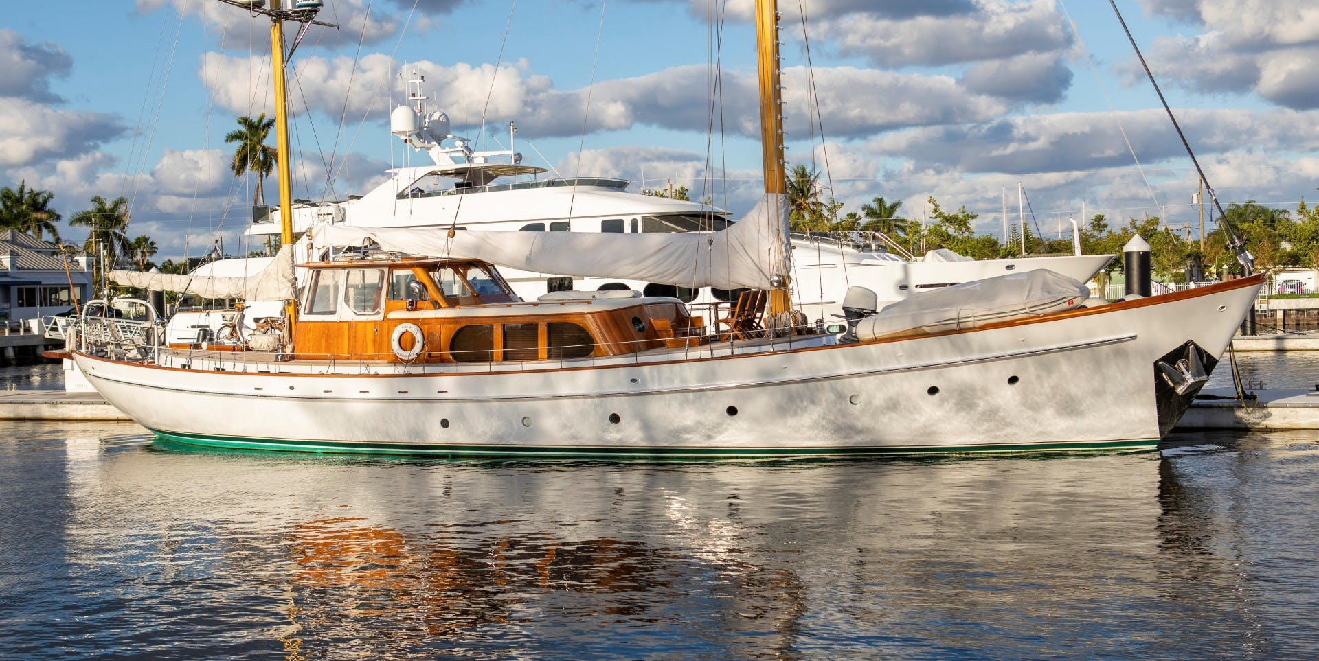 1956 Abeking & Rasmussen 90' Pilothouse Sea Diamond | Picture 3 of 37