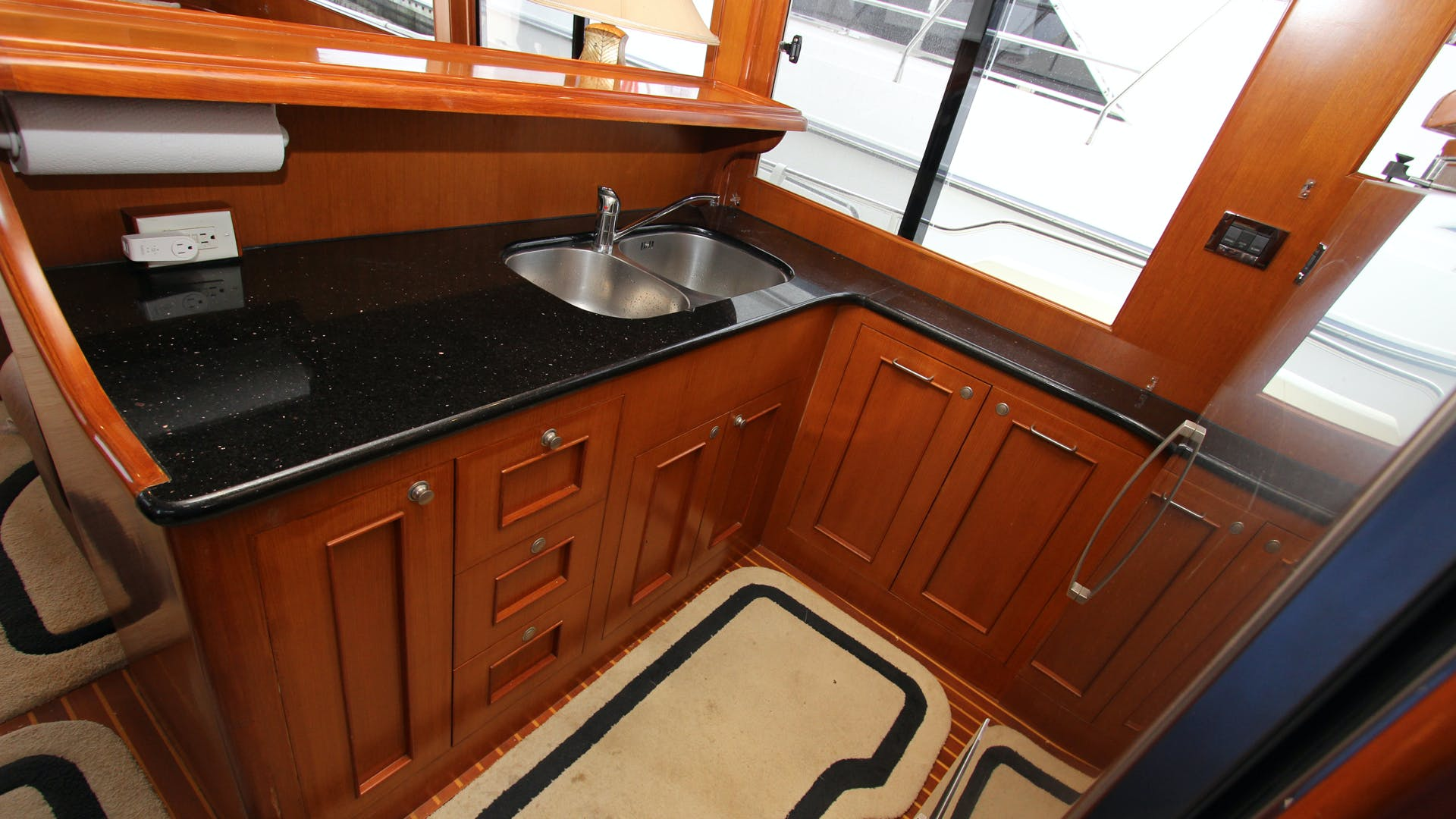 2006 Ocean Alexander 48' Classicco Lazy Suzan | Picture 6 of 13