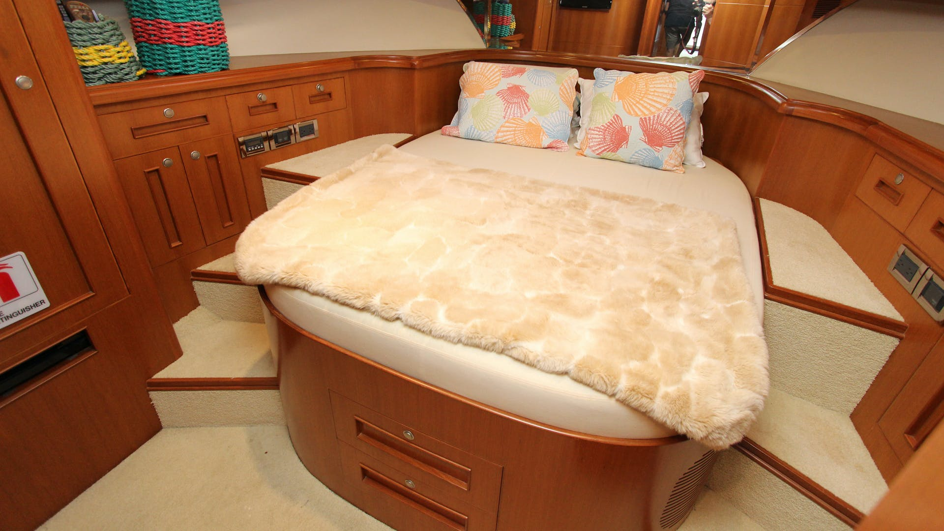 2006 Ocean Alexander 48' Classicco Lazy Suzan | Picture 8 of 13