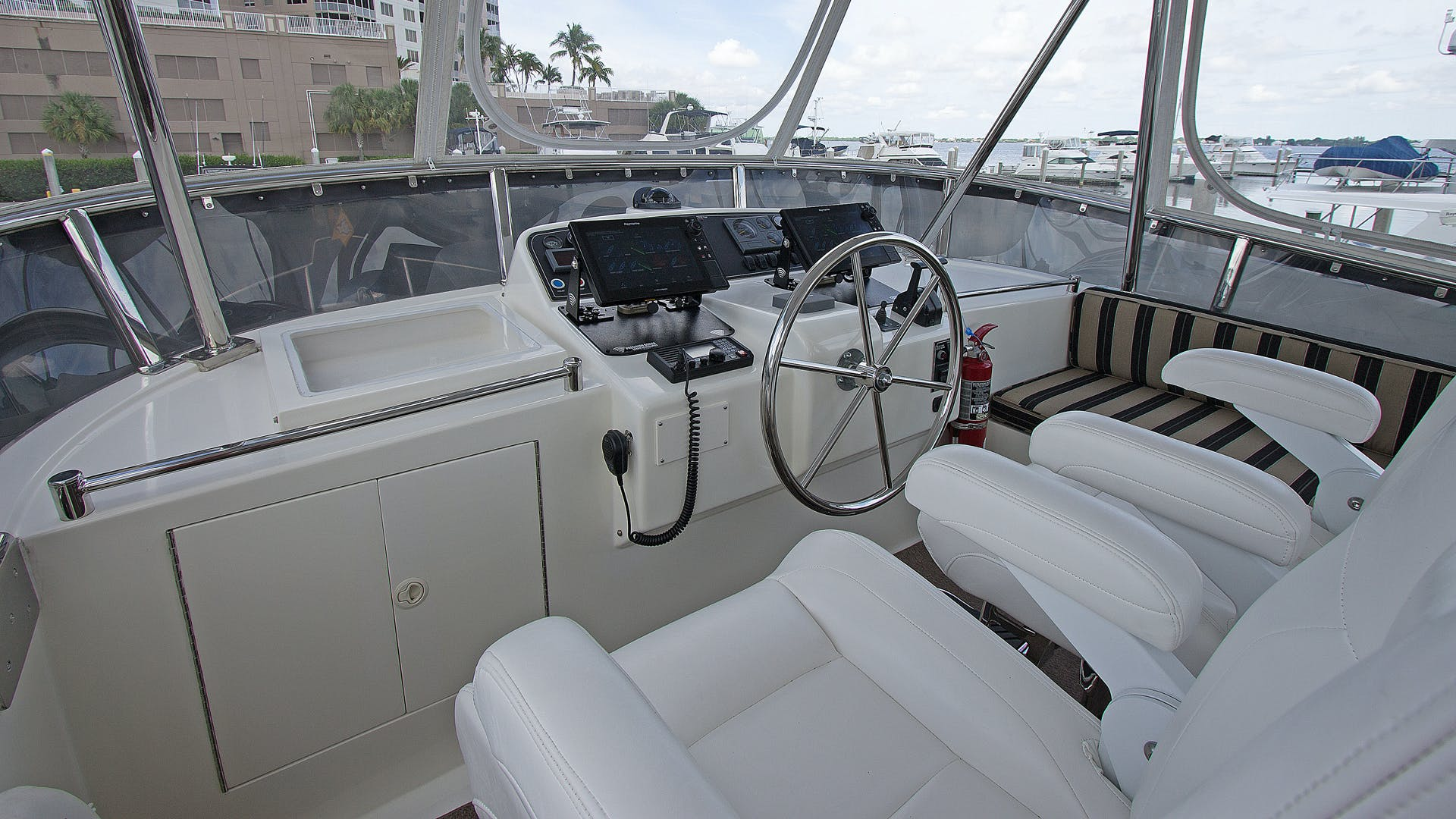 2006 Ocean Alexander 48' Classicco Lazy Suzan | Picture 1 of 13