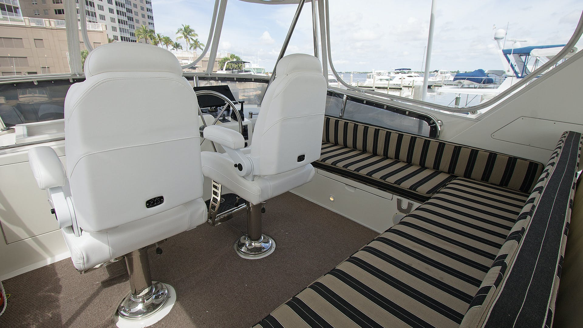 2006 Ocean Alexander 48' Classicco Lazy Suzan | Picture 2 of 13