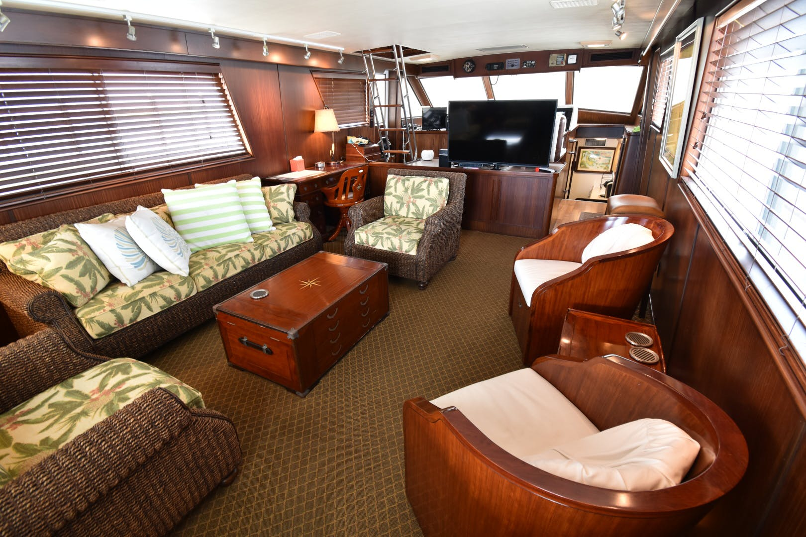 1988 Hatteras 67' 67  Cockpit Motor Yacht Lady Paragon | Picture 5 of 78