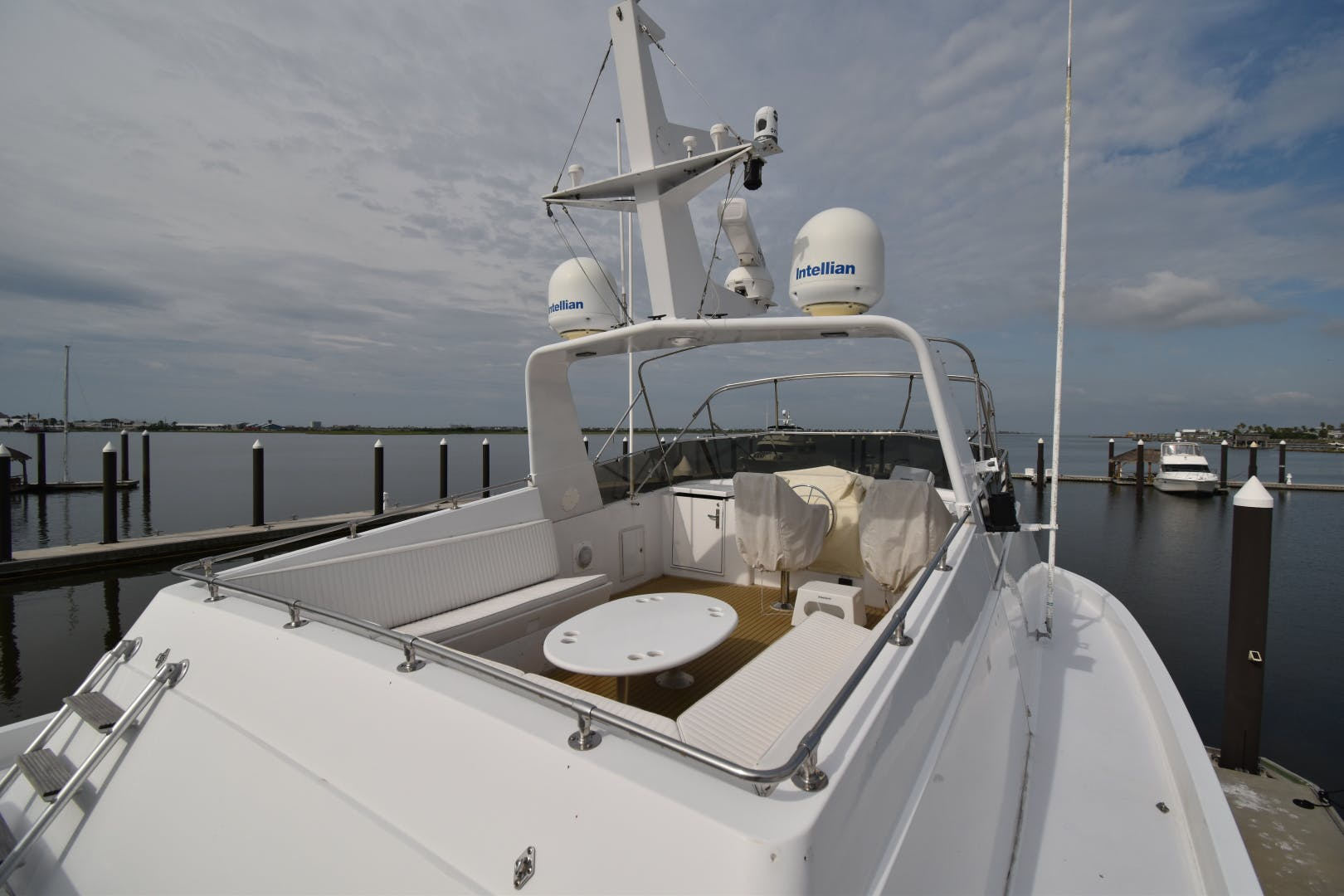 1988 Hatteras 67' 67  Cockpit Motor Yacht Lady Paragon | Picture 7 of 78