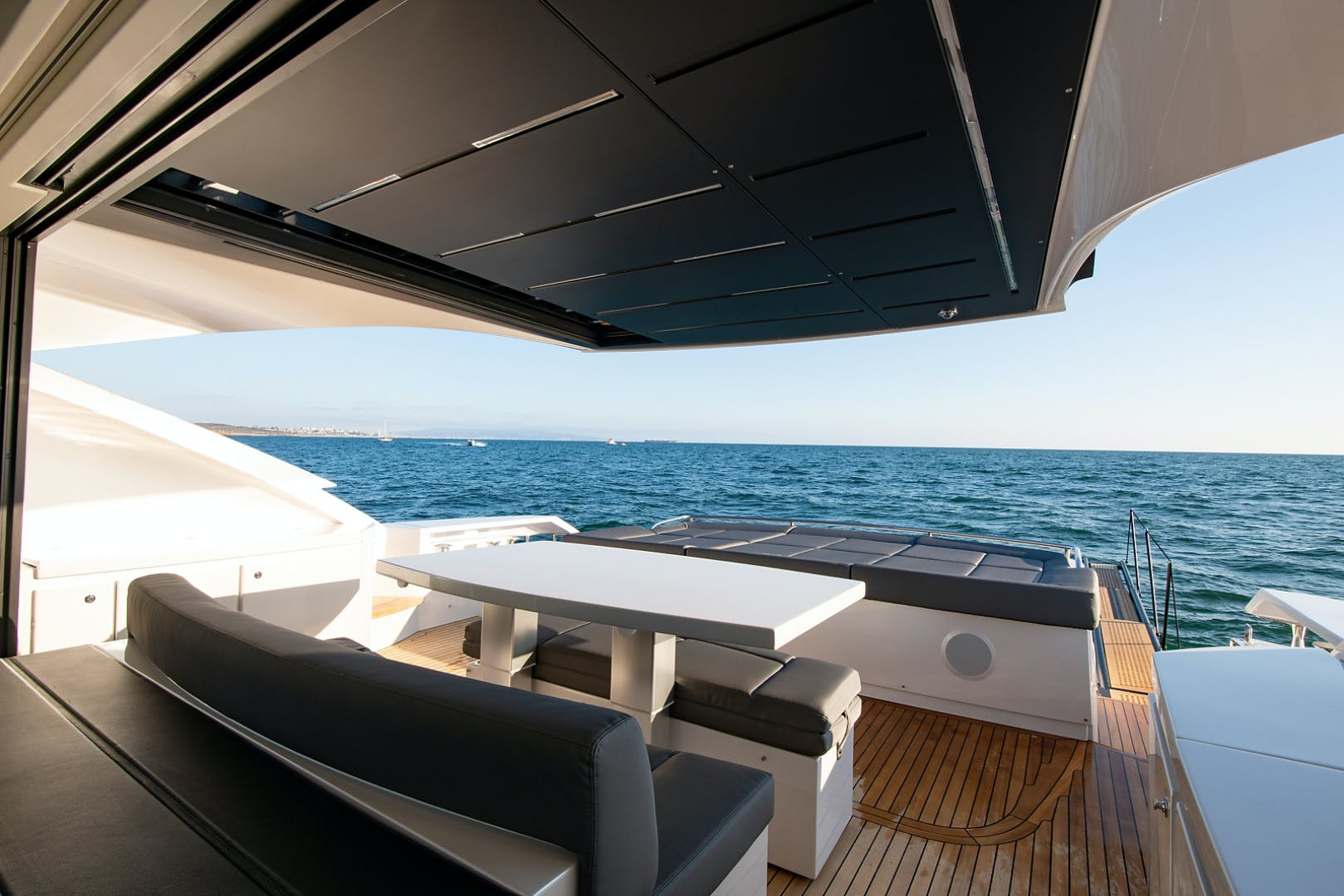2017 Pershing 82' Pershing 82 Double or Nothing   Picture 5 of 41