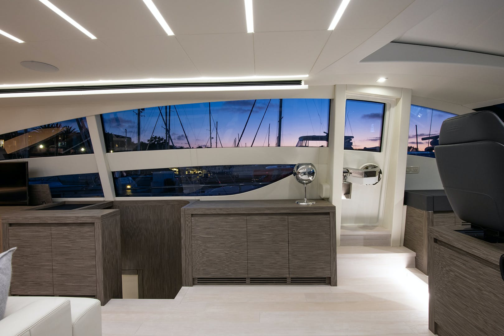 2017 Pershing 82' Pershing 82 Double or Nothing   Picture 2 of 41