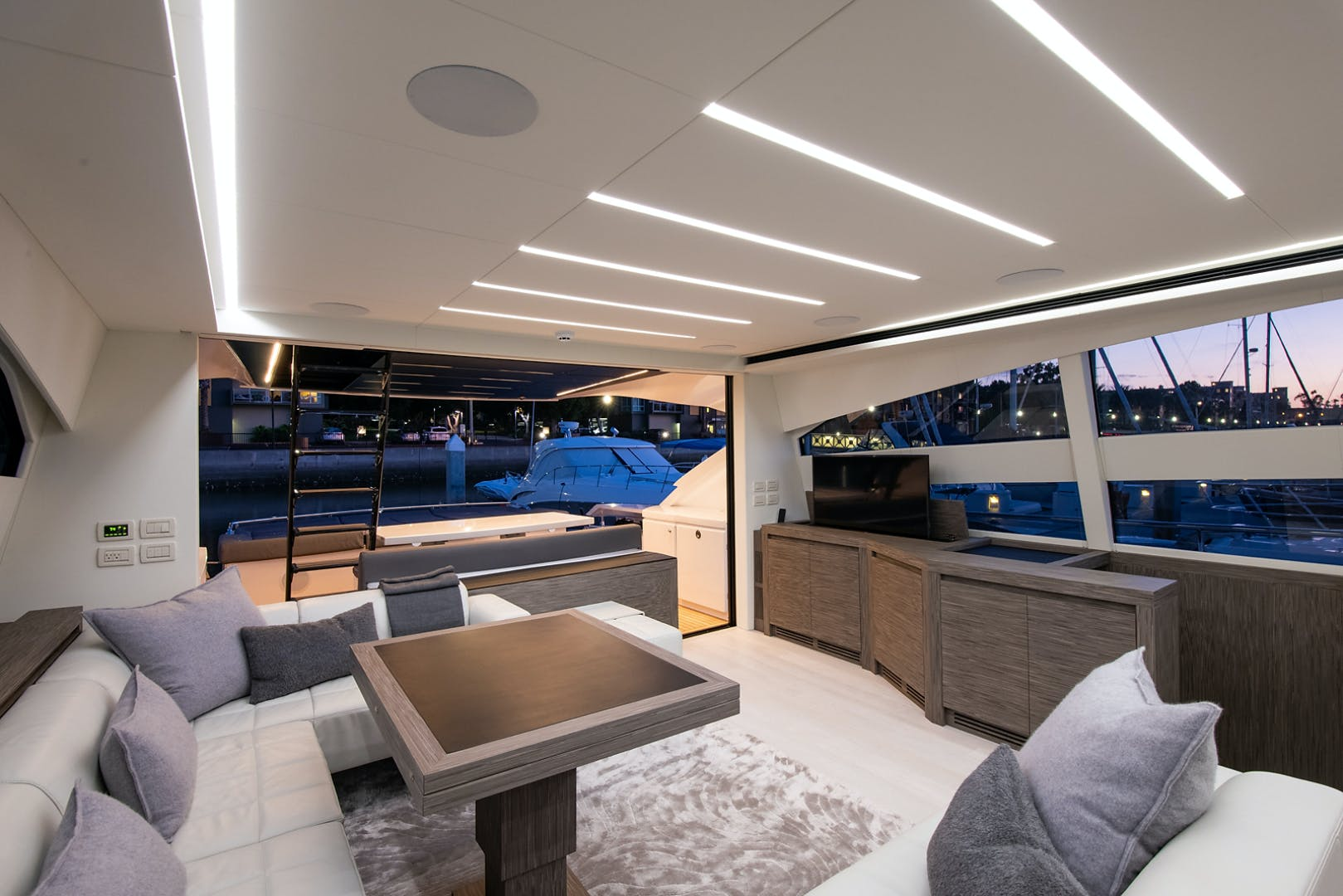 2017 Pershing 82' Pershing 82 Double or Nothing   Picture 1 of 41