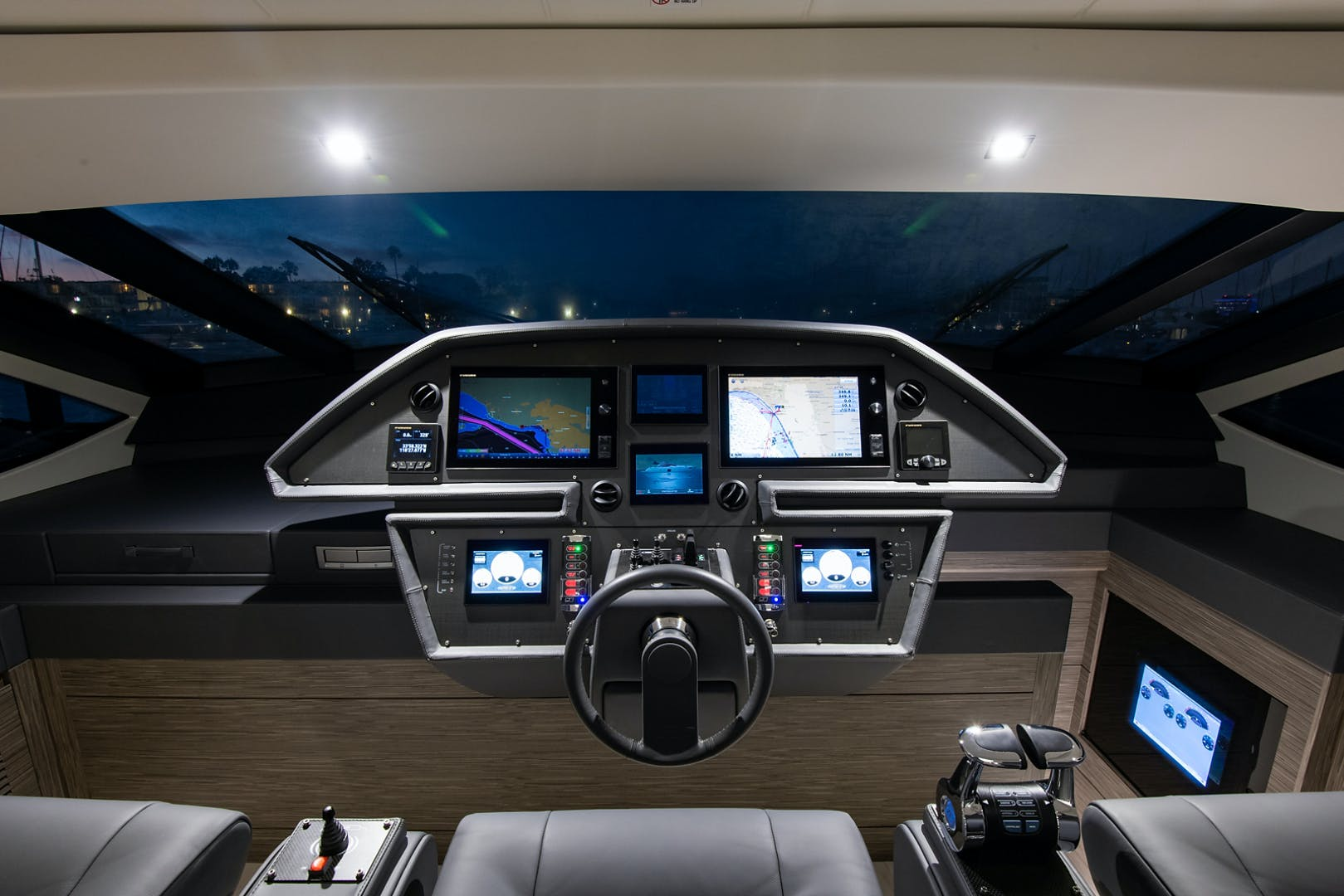 2017 Pershing 82' Pershing 82 Double or Nothing   Picture 4 of 41