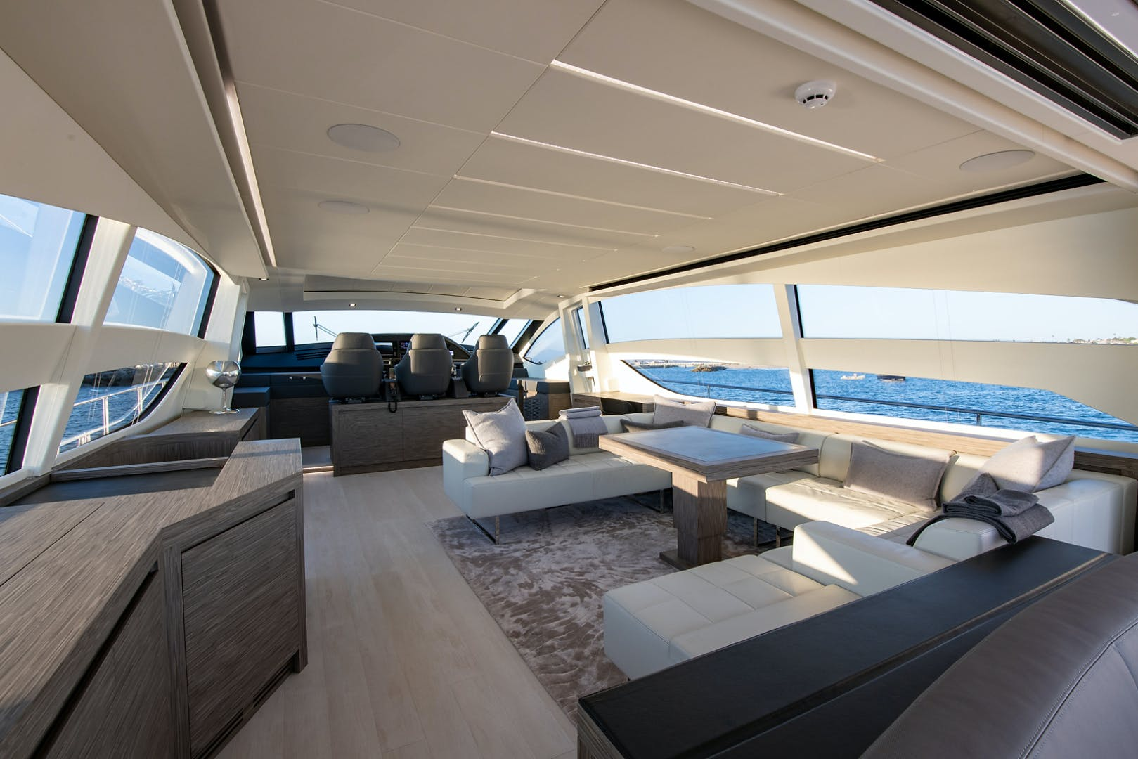 2017 Pershing 82' Pershing 82 Double or Nothing   Picture 6 of 41