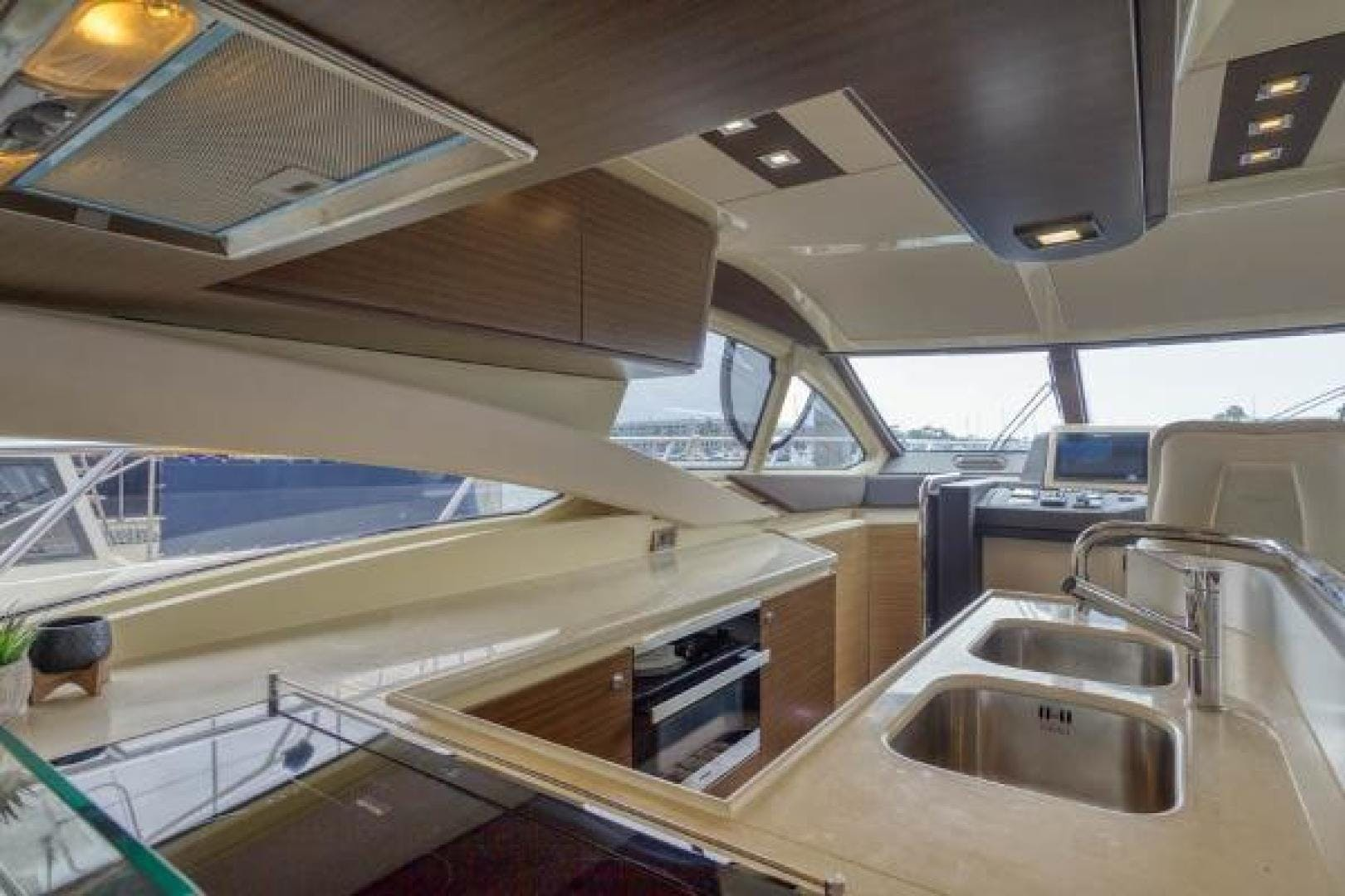 2016 Azimut 60' 60 Flybridge SexSea | Picture 4 of 39