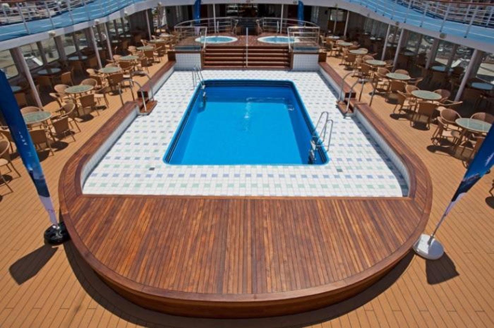1990 Custom 579' ISHIKAWAJIMA Cruise Ship Aegean Paradise | Picture 7 of 14