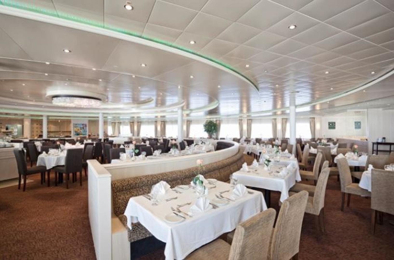 1990 Custom 579' ISHIKAWAJIMA Cruise Ship Aegean Paradise | Picture 5 of 14