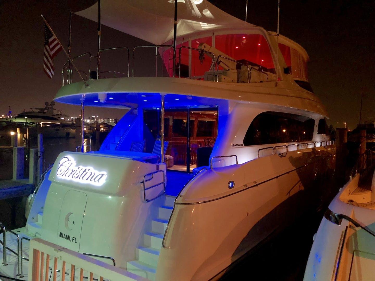 2008 Hatteras 72' 72 Motor Yacht Christina | Picture 3 of 40