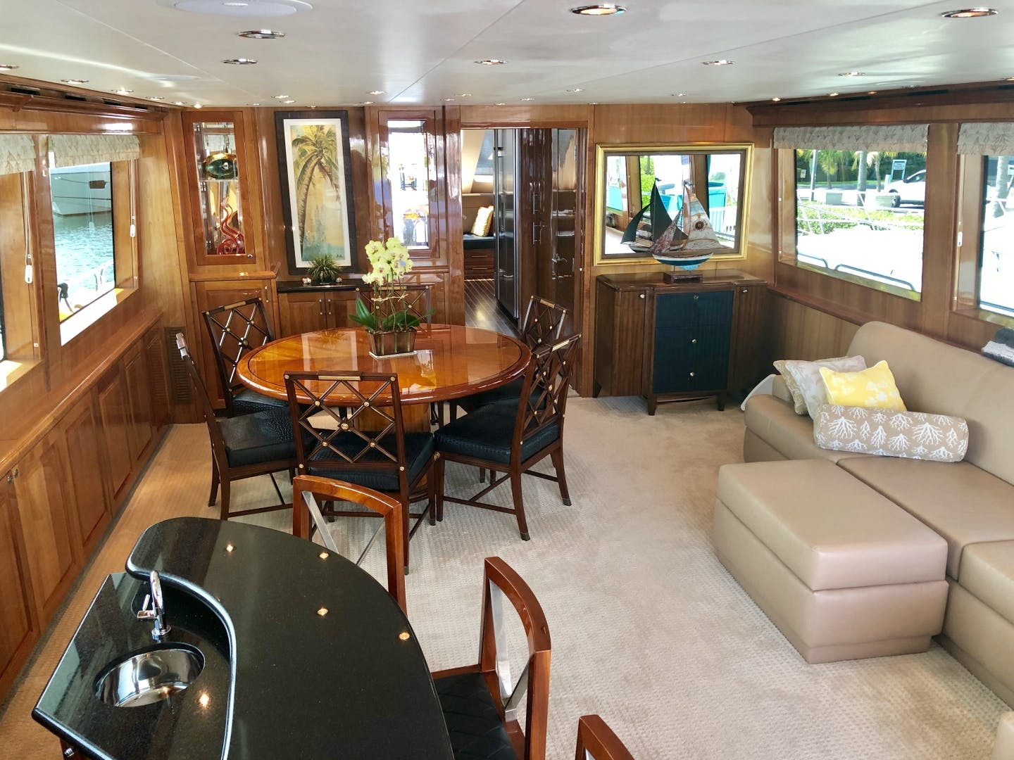 2008 Hatteras 72' 72 Motor Yacht Christina | Picture 6 of 40