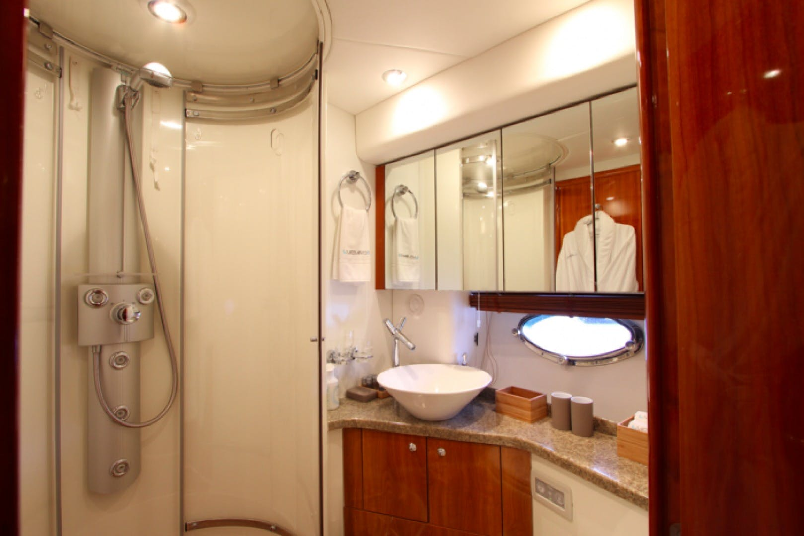 2006 Sunseeker 64' Predator 62 LUCIANO   Picture 4 of 16