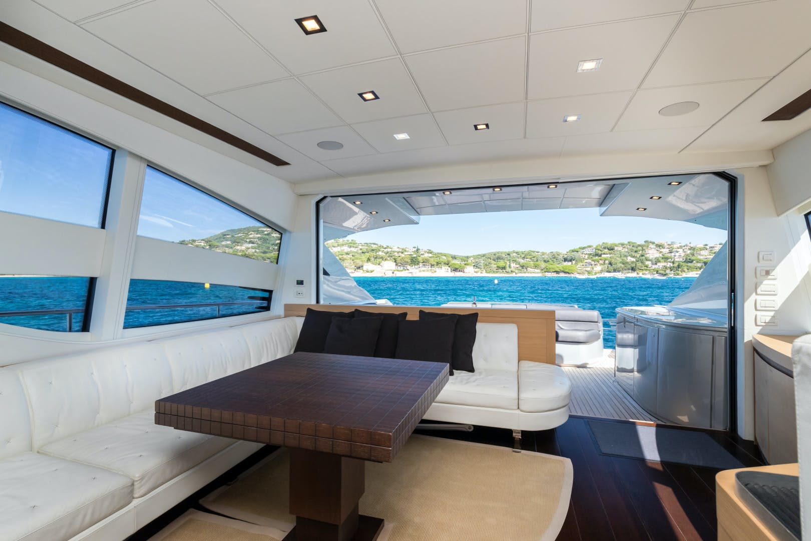2012 Pershing 72' 72 LOONEY | Picture 4 of 28
