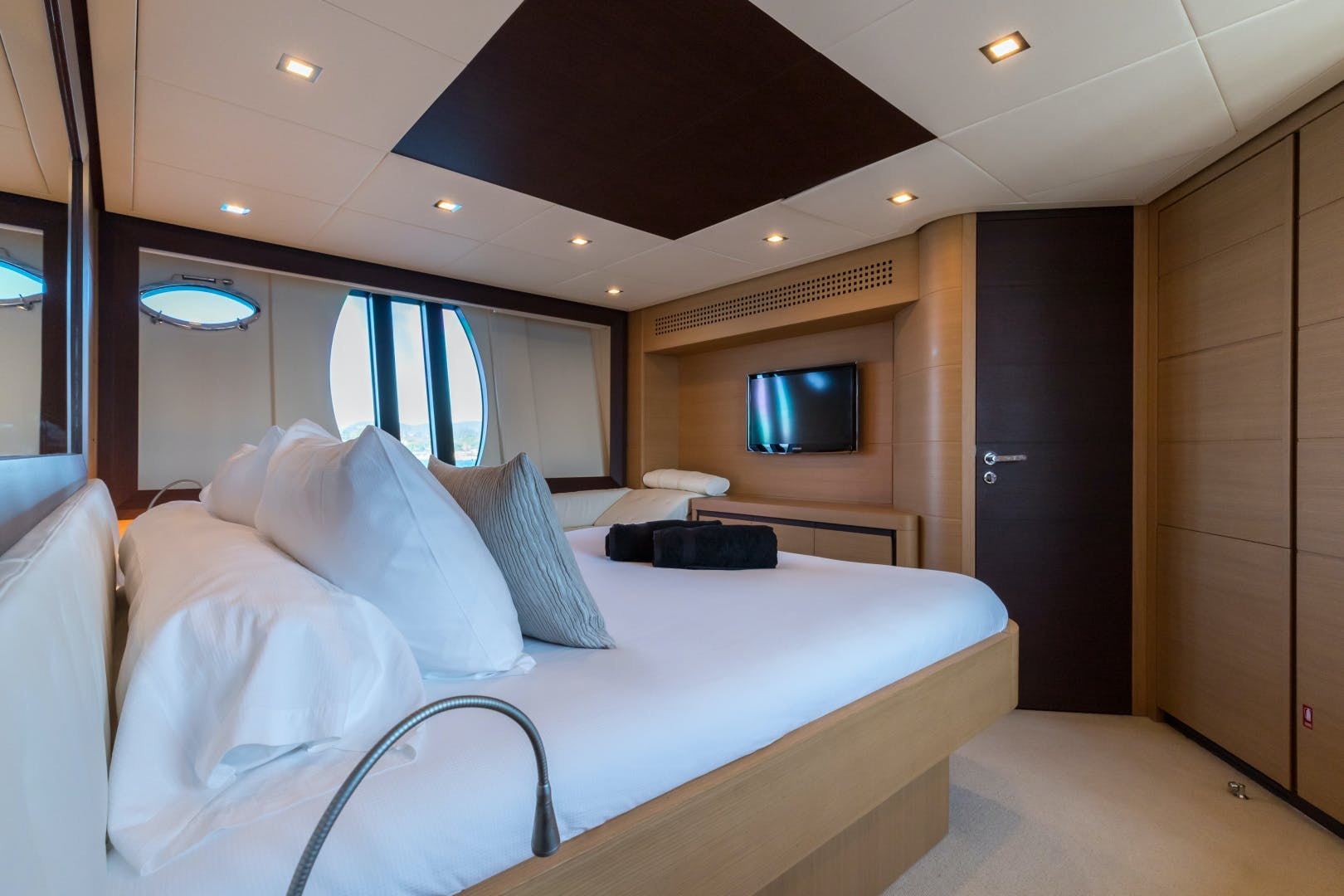 2012 Pershing 72' 72 LOONEY | Picture 3 of 28