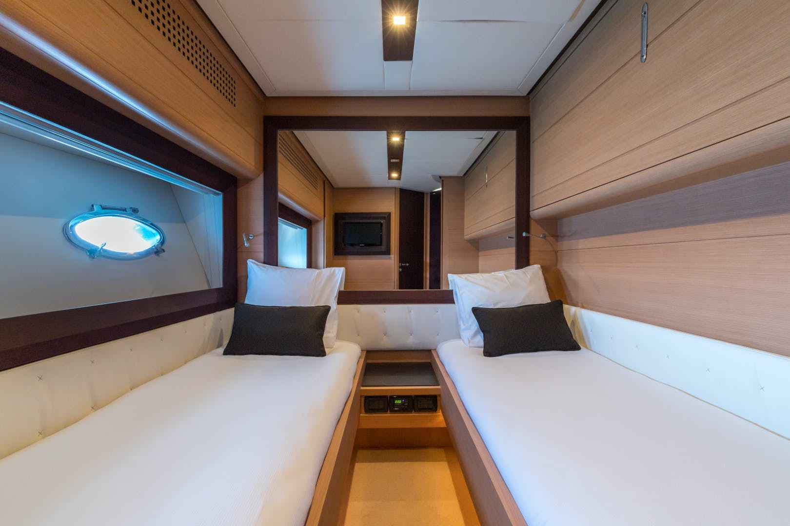 2012 Pershing 72' 72 LOONEY | Picture 1 of 28