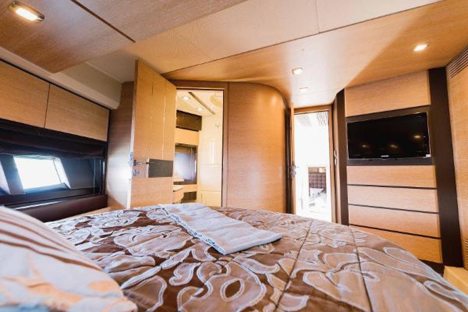2011 Azimut 70' Flybridge  | Picture 7 of 81