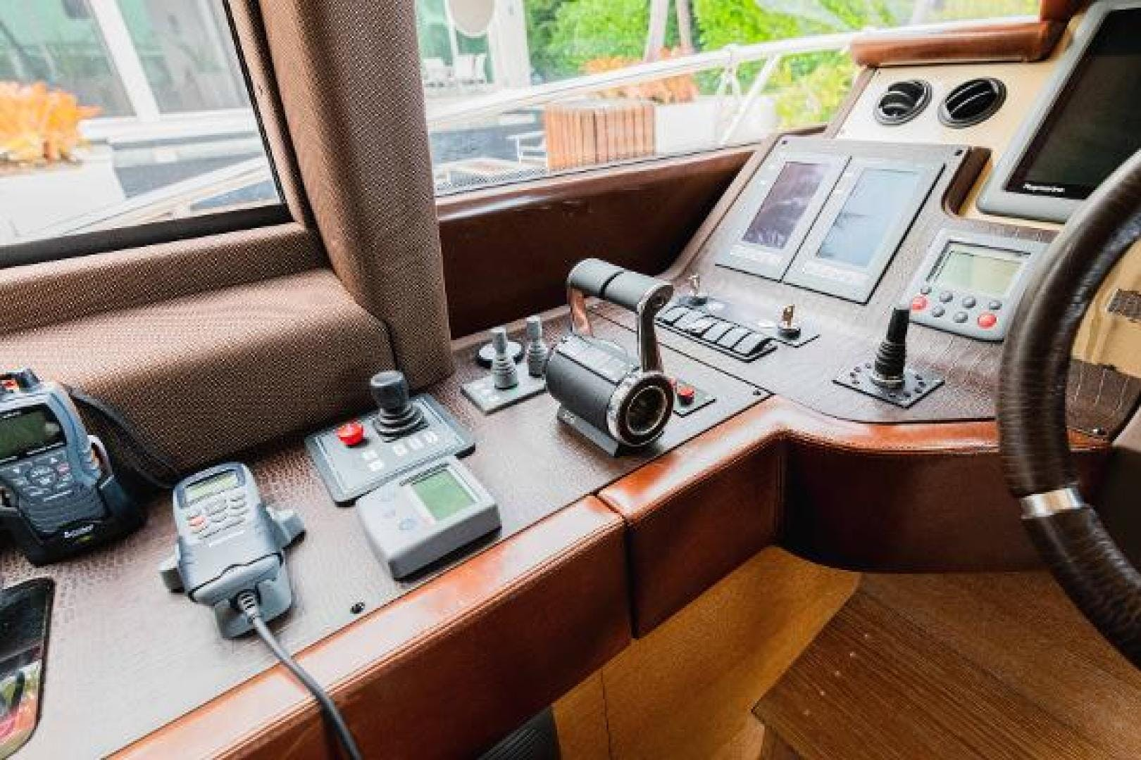 2011 Azimut 70' Flybridge  | Picture 4 of 81