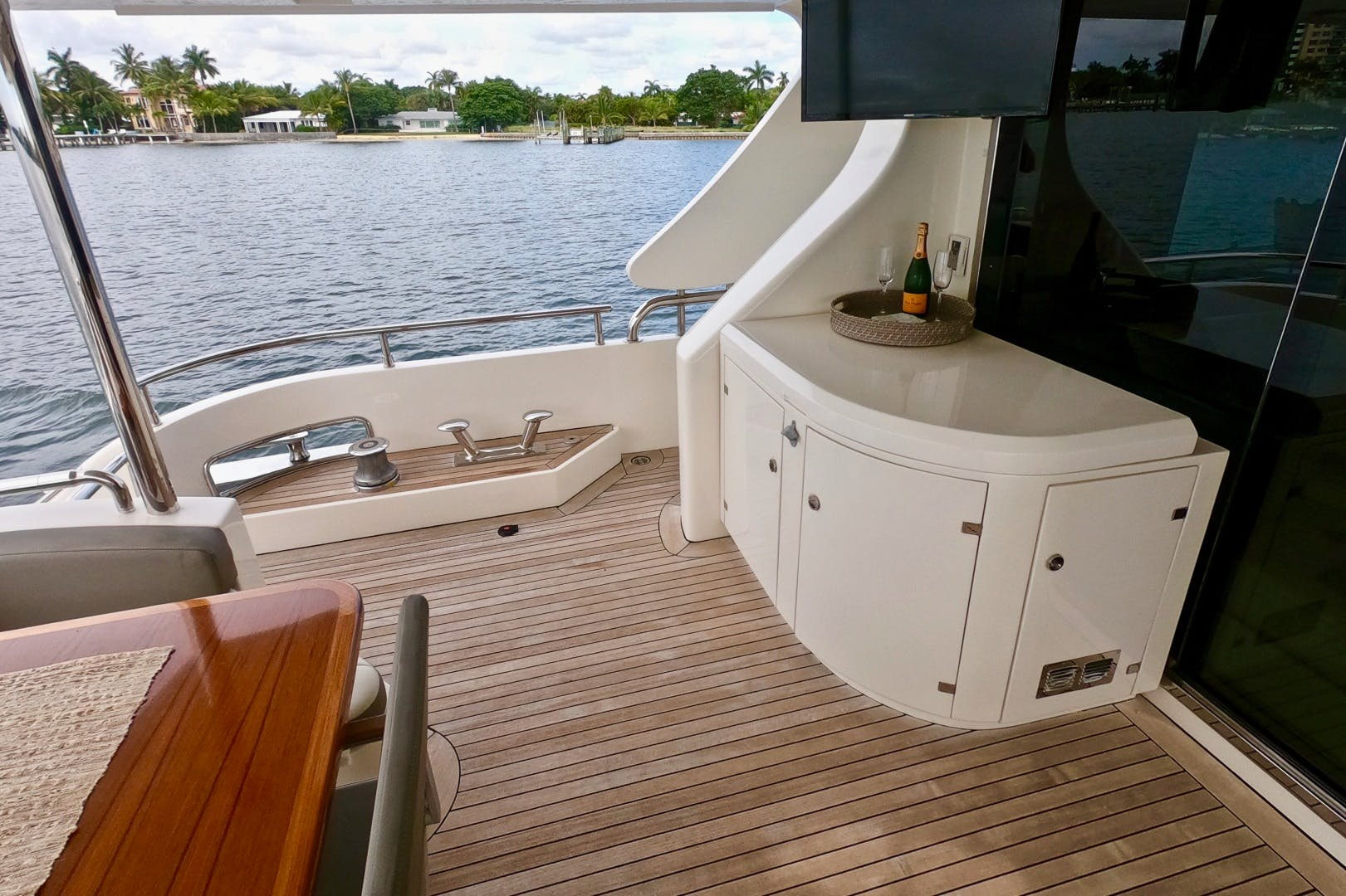 2009 Azimut 85' 85 Flybridge Sempre Grati | Picture 8 of 65